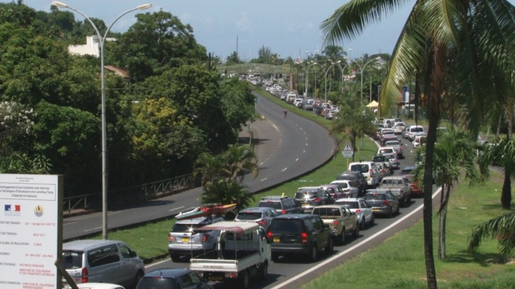 Les modifications de la circulation ont entraîné d'importants embouteillages - Crédit photo : Tahiti Nui télévision