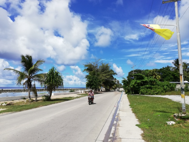 Le tour de Nauru s'accomplit en 25 minutes - Photo : Mike Leyral