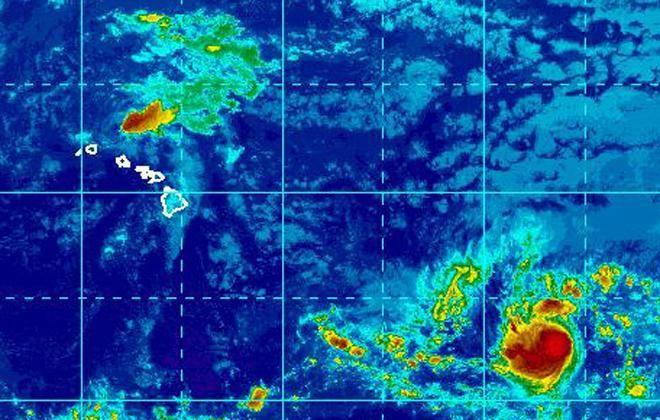 Hawaï : le cyclone Hilda se renforce
